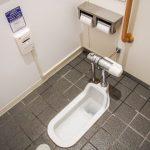 「コンビニのトイレ」に無断で入ったら建造物侵入で犯罪者?